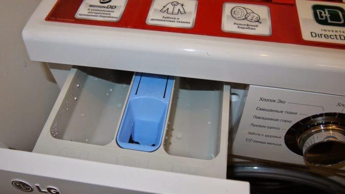 Этот простой трюк позволит вам сохранить чистоту в вашей стиральной машине!