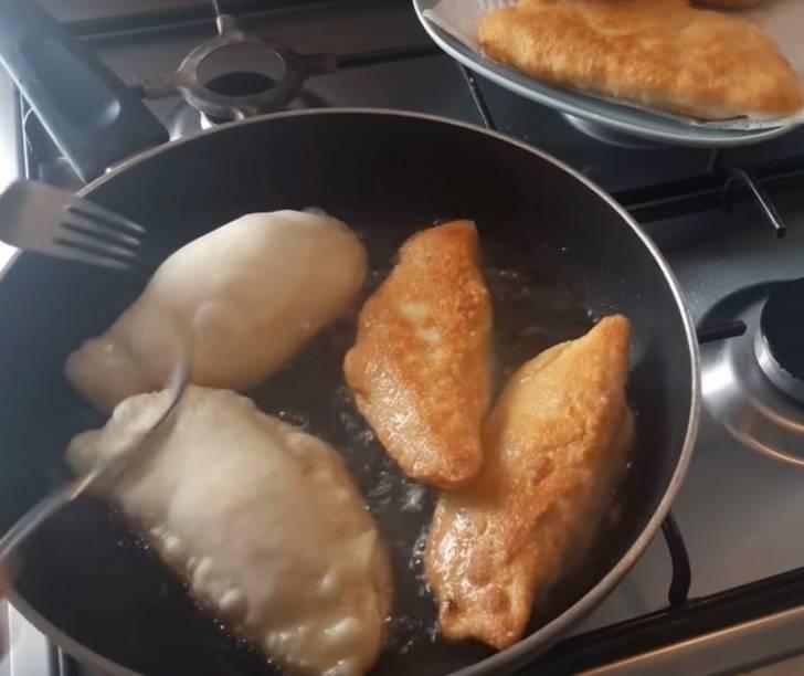 Рецепт пирожков с капустой от моей свекрови: быстро и очень вкусно!